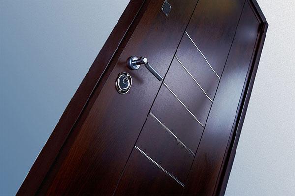 Демонтаж металлических дверей