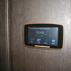 Дверной видеоглазок для входной двери