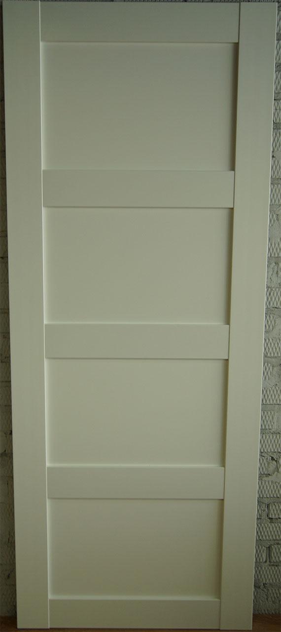 Межкомнатная дверь из ДПК Quatro (глухая, белая)