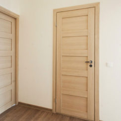 Межкомнатные царговые двери
