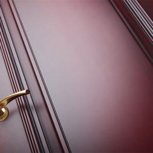 Межкомнатная крашенная дверь