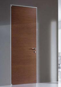 межкомнатная дверь с алюминиевой коробкой