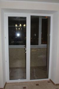 Балконная дверь с остеклением