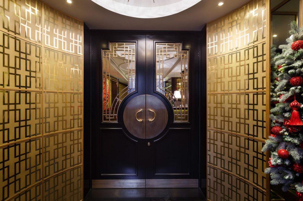 двери для ресторана
