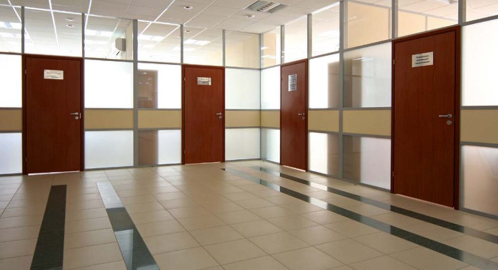 распашные двери для офисов