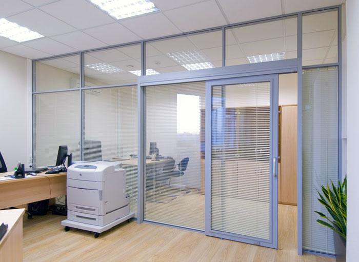 раздвижная стеклянная дверь для офиса