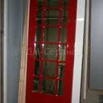 Заказная дверь ярко красного цвета