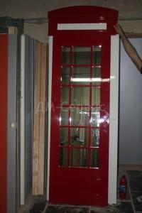 Дверь английская телефонная будка