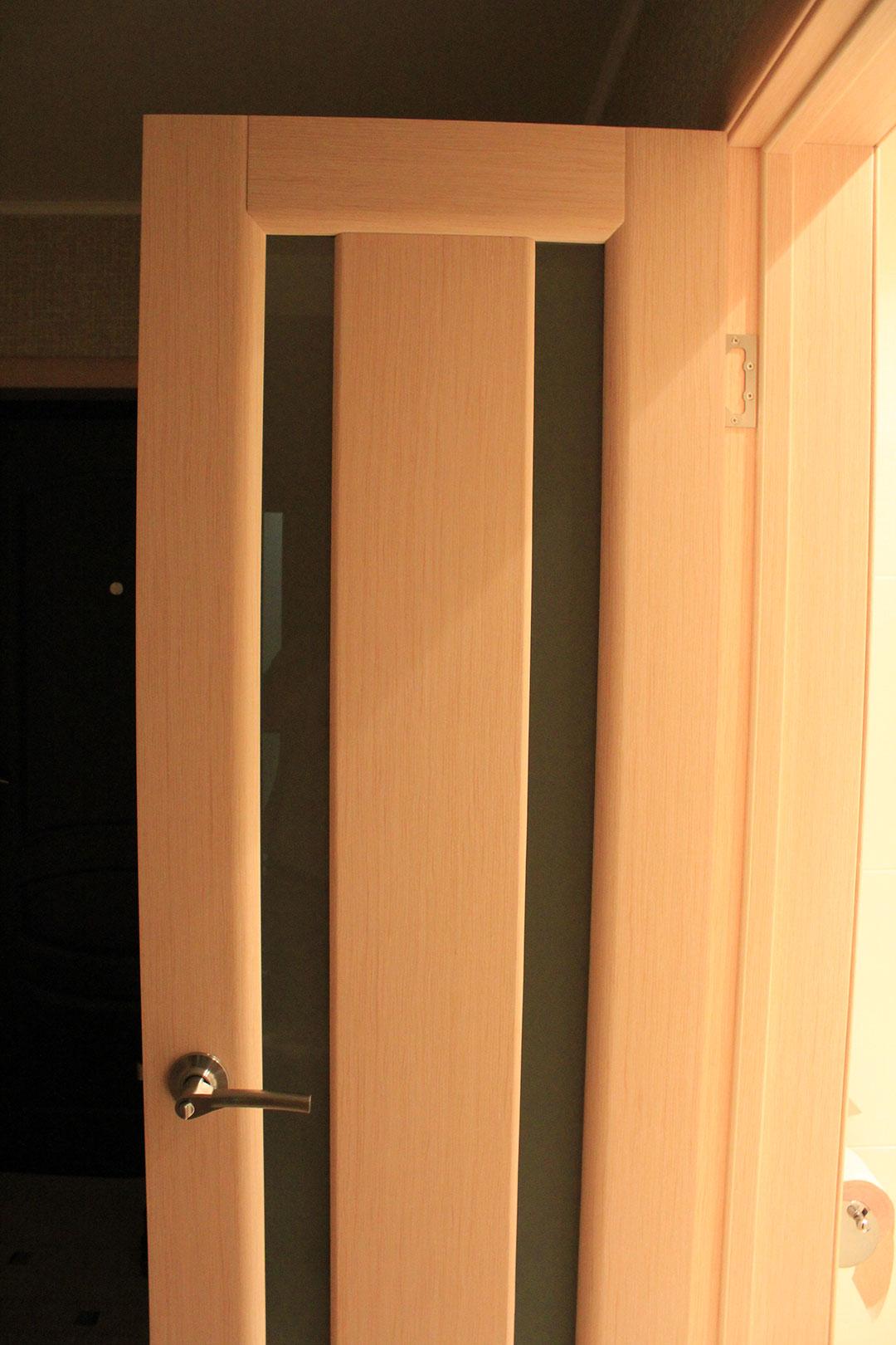 Дверь облицованная шпоном беленного дуба